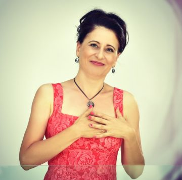 Диана Господинова